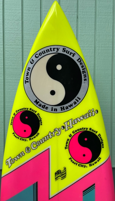 Town & Country (T&C) twin-fin by Nev Hyman (1983) – Vintage surfboards for sale, Collectible surfboards for sale